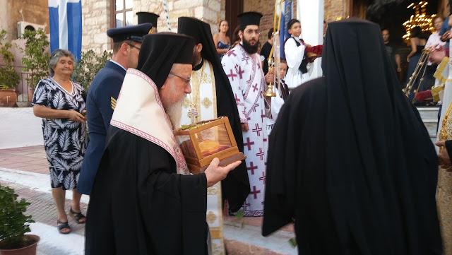 Η Πάλαιρος υποδέχθηκε το Λείψανο του Αγίου Νεκταρίου (ΔΕΙΤΕ ΦΩΤΟ)