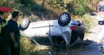Ανατροπή αυτοκινήτου με δύο τραυματίες στον Άγιο Νικόλαο Αγρινίου (ΔΕΙΤΕ ΦΩΤΟ)