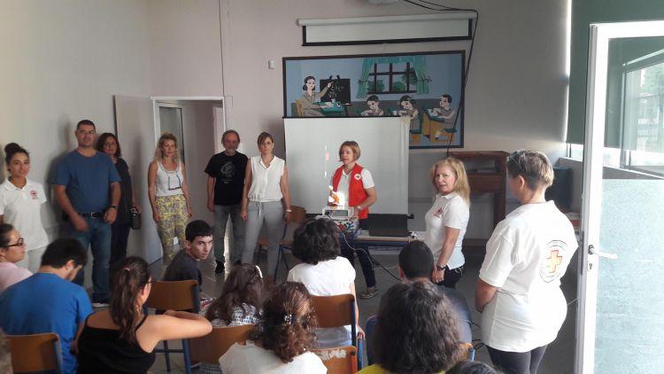 Ναύπακτος: Επίσκεψη των εθελοντών του Ερυθρού σταυρού στο ειδικό σχολείο (ΔΕΙΤΕ ΦΩΤΟ)