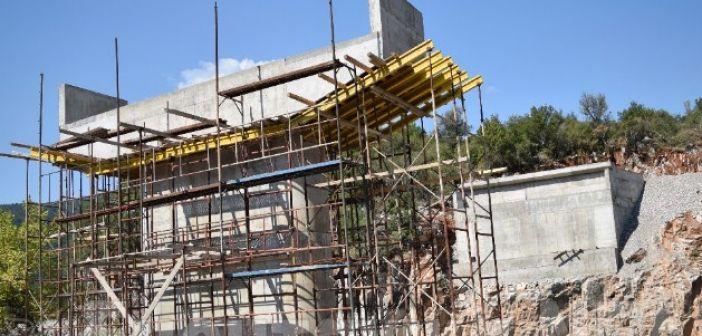 Προχωρούν τα έργα για τη νέα γέφυρα Τέμπλας (ΦΩΤΟ + VIDEO)