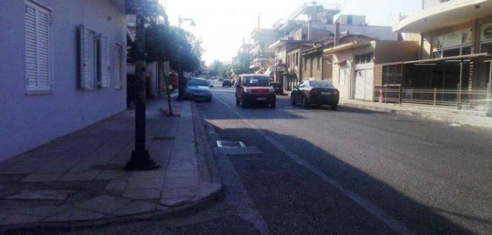 Αγρίνιο: Σοβαρός τραυματισμός μοτοσικλετιστή στην Εθνικής Αντιστάσεως – Προσέκρουσε σε σταθμευμένο ΙΧ (ΦΩΤΟ ΑΠΟ ΤΟ ΣΗΜΕΙΟ)