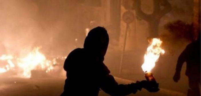 Μυστήριο με την επίθεση με μολότοφ στο Aστυνομικό Tμήμα Ναυπάκτου