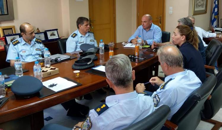Συνάντηση του Δημάρχου Ναυπακτίας με τις Αστυνομικές και Λιμενικές Αρχές (ΔΕΙΤΕ ΦΩΤΟ)