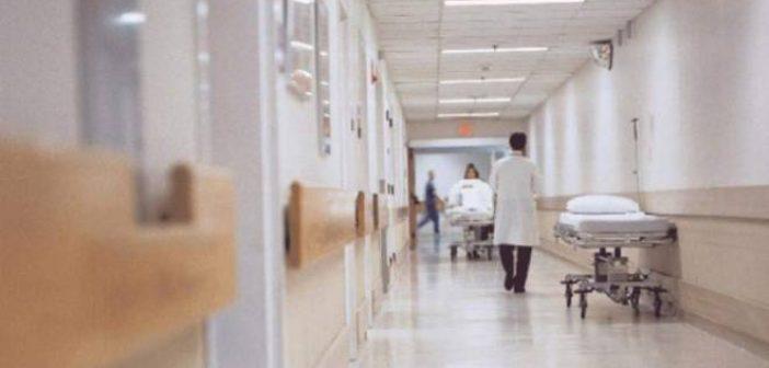 Στο Κ.Υ. Ναυπάκτου – Άνω Χώρας, ασθενείς και γιατροί περπατούν πάνω σε καρκινογόνο αμίαντο (VIDEO)