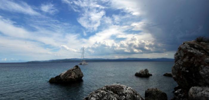 Πιο κρύες οι θάλασσες στο Αιγαίο από ό,τι συνήθως – Πιο ζεστές στο Ιόνιο (ΔΕΙΤΕ ΧΑΡΤΗ)