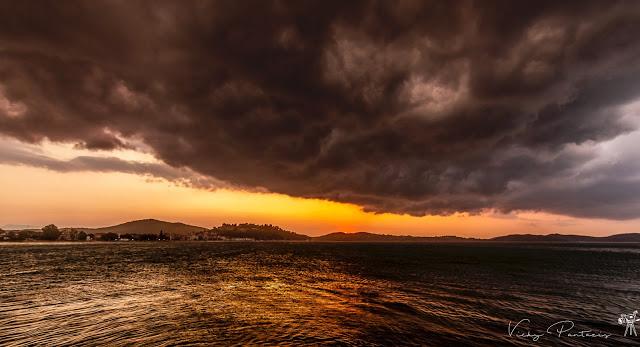 Λίγο πριν τη βροχή στη Βόνιτσα (ΔΕΙΤΕ ΦΩΤΟ)