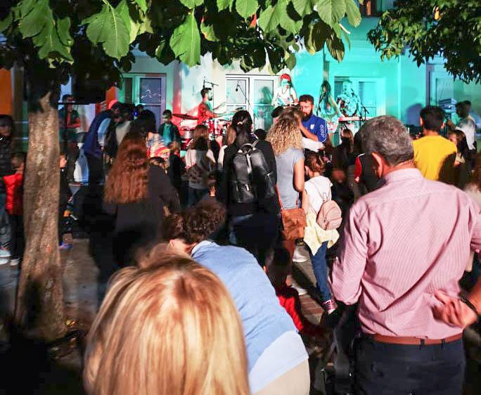 Παπαστράτειο Μέγαρο Αγρινίου: Μεγάλο street party με latin ρυθμούς και όχι μόνο! (ΔΕΙΤΕ ΦΩΤΟ)