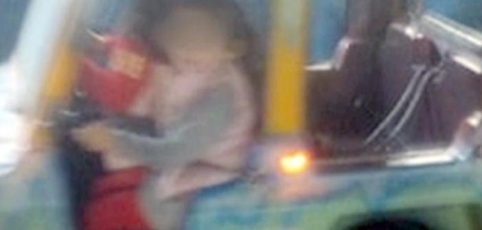 """Ναύπακτος: """"Είδα το παιδί μου να κρέμεται""""! Ντοκουμέντο από το λούνα παρκ που τραυματίστηκε η τρίχρονη (VIDEO)"""