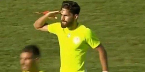 Παίκτης του Ολυμπιακού Βόλου σκόραρε και χαιρέτισε στρατιωτικά! (VIDEO)