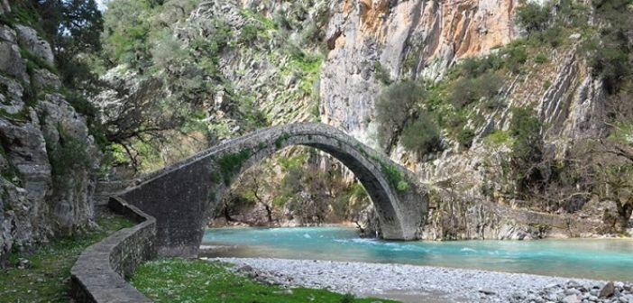 Το γεφύρι της Αρτοτίβας στον Εύηνο (VIDEO)
