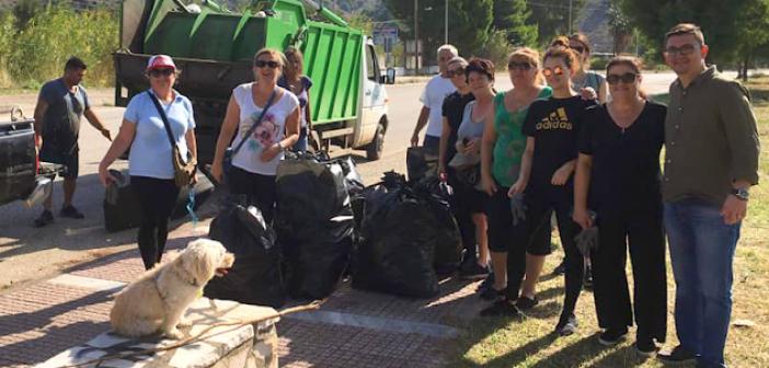 Εθελοντικός καθαρισμός στον Αστακό (ΔΕΙΤΕ ΦΩΤΟ)