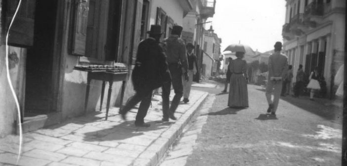 Φωτογραφία από το 1892 απεικονίζει το σημερινό ιστορικό κέντρο του Μεσολογγίου