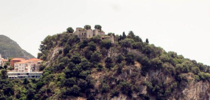 Σοκ στην Πάργα! Τουρίστρια έπεσε από το Κάστρο και σκοτώθηκε