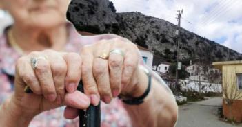 Βλυζιανά: Παραβίασαν την πόρτα και έκλεψαν 800 ευρώ από ηλικιωμένη!