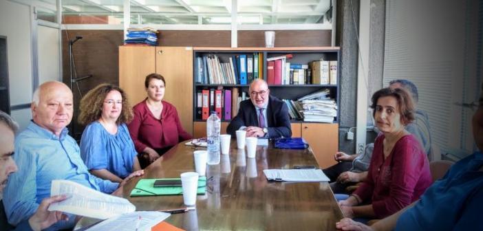 Συνάντηση του Αντιπεριφερειάρχη Π. Σακελλαρόπουλου με στελέχη της Αποκεντρωμένης Διοίκησης (ΦΩΤΟ)