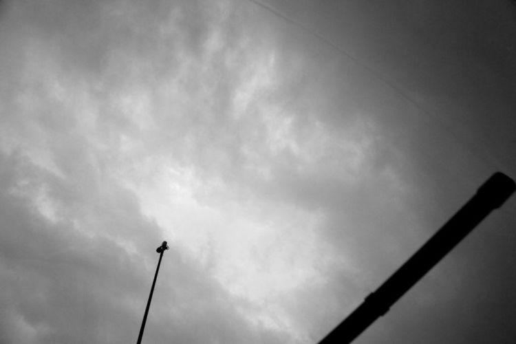Καιρός: Πρόσκαιρη επιδείνωση με βροχές και καταιγίδες