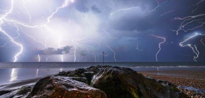 Βλέπουμε την καταιγίδα στον ορίζοντα;