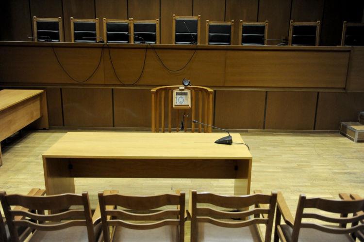 Επανέρχεται το δικαστικό ένσημο – Αντιδρούν οι δικηγόροι