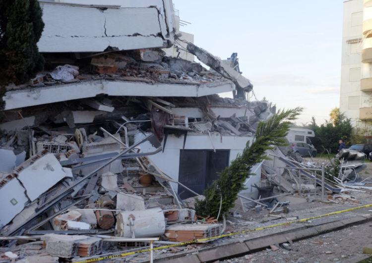 Περιφέρεια Ιονίων Νήσων: Παροχή ειδών και υπηρεσιών πρώτης ανάγκης στους πληγέντες από το σεισμό στην Αλβανία