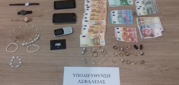 Συνελήφθη γυναίκα στα Ιωάννινα για εξαπάτηση ηλικιωμένων – Έδρασε και στην Κατοχή Μεσολογγίου