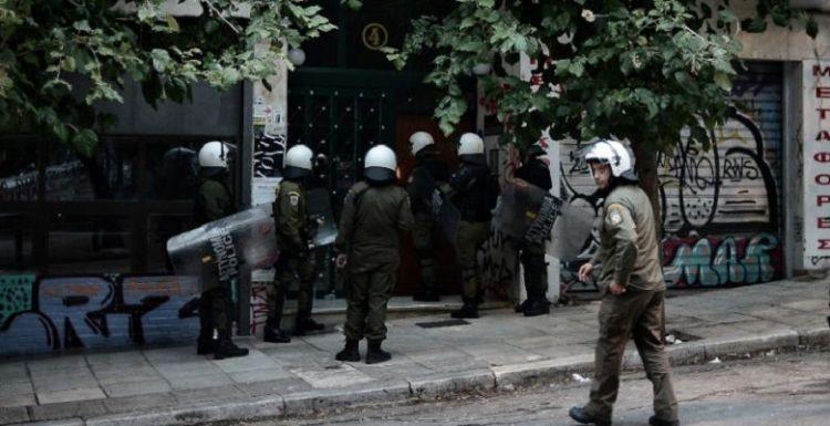 Επέτειος Πολυτεχνείου χωρίς να καεί η Αθήνα – Τα επεισόδια, η πορεία, η τακτική της ΕΛ.ΑΣ.