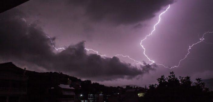 Έγινε η νύχτα μέρα από τις αστραπές στον Αστακό (ΔΕΙΤΕ ΦΩΤΟ)