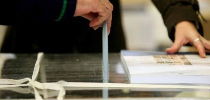 Στις κάλπες οι Ρουμάνοι και στην Δυτική Ελλάδα – Πού ψηφίζουν