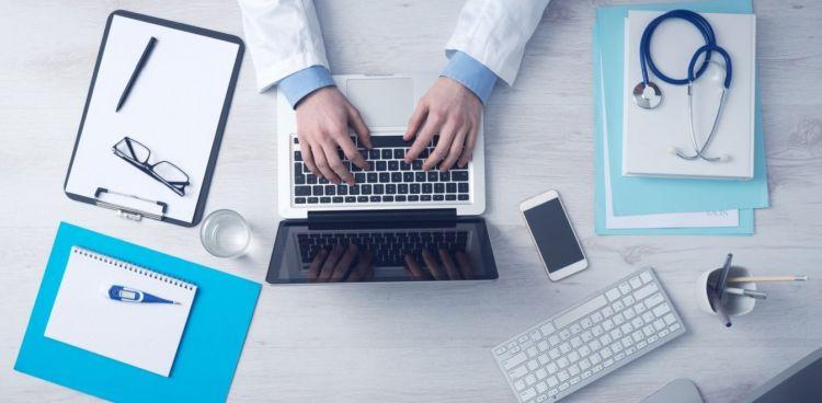 Διοικητές νοσοκομείων: Απολύσεις κάθε τρεις μήνες εάν δεν εκτελούν έργο