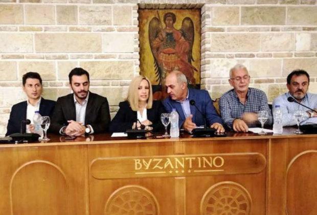 """Δυτική Ελλάδα – Φώφη Γεννηματά από Πάτρα: """"Πάλι ο λαός θα πληρώσει τα βάρη"""" – Σφοδρή επίθεση στην κυβέρνηση (ΦΩΤΟ + VIDEO)"""