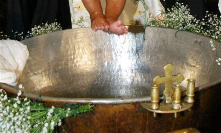 Πρωτοδικείο Αθηνών: Νονά έκανε αγωγή και ζητάει πίσω τον σταυρό της βαφτιστήρας της! (ΦΩΤΟ + VIDEO)