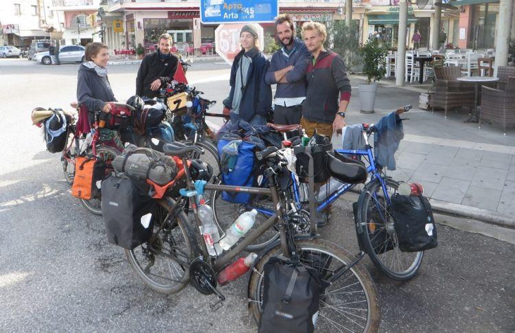 Ποδηλάτες από Γαλλία, Αυστρία και Γερμανία στην Αμφιλοχία (ΦΩΤΟ)