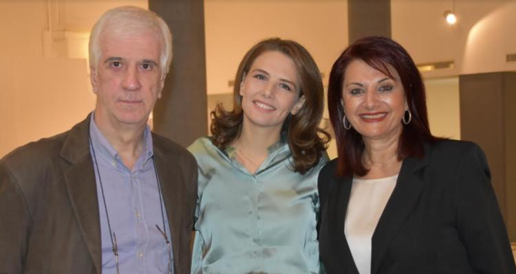 Αγρίνιο: Εγκαινιάστηκε η έκθεση φωτογραφιών και εγκατάστασης της Αγρινιώτισσας Νάντιας Σκορδοπούλου (ΦΩΤΟ)