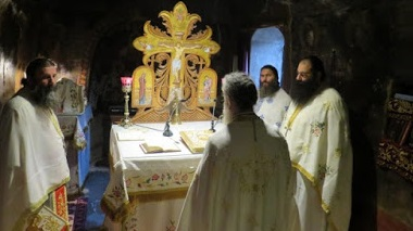 Λαμπρός Εορτασμός των Εισοδίων της Θεοτόκου στην Ιερά Μονή Μυρτιάς (ΔΕΙΤΕ ΦΩΤΟ)