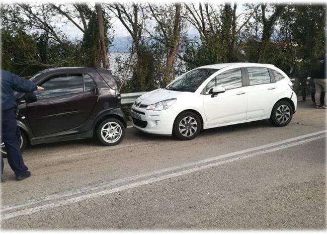 Καραμπόλα τριών αυτοκινήτων στην Αμφιλοχία – Ένας τραυματίας (ΔΕΙΤΕ ΦΩΤΟ)