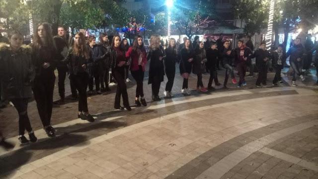 Αγρίνιο: Αναβάλλεται η σημερινή Χριστουγεννιάτικη εκδήλωση των χορευτικών του Δήμου στην πλατεία Δημοκρατίας