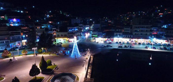 Η φωταγώγηση του Χριστουγεννιάτικου δέντρου στην Αμφιλοχία (VIDEO)