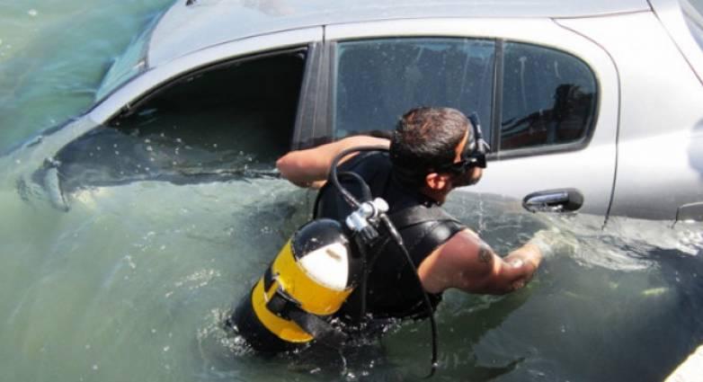 Λευκάδα: Πήγε να αποφύγει ζώο και έπεσε με το ΙΧ στην θάλασσα!