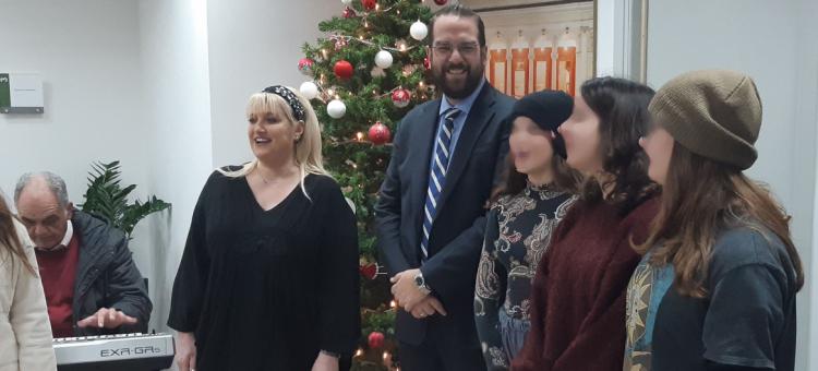 Τα πρώτα χριστουγεννιάτικα κάλαντα στον Περιφερειάρχη από το Μουσικό Σχολείο Πάτρας (ΦΩΤΟ)