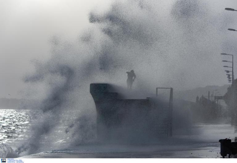 Καιρός σήμερα: Έρχεται ο Ετεοκλής! Καταιγίδες, χιόνια και θυελλώδεις άνεμοι