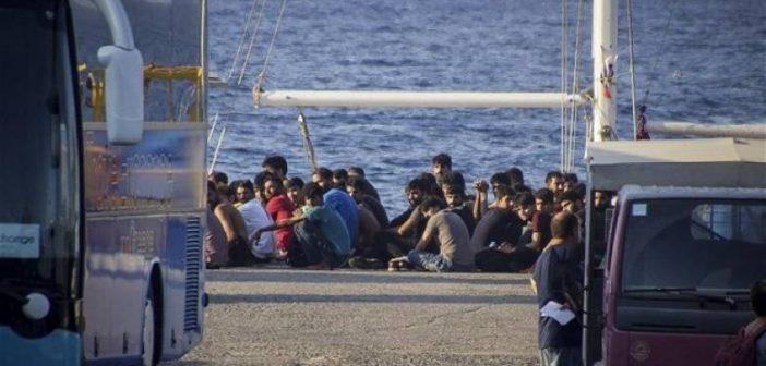 """Δυτική Ελλάδα: """"Όχι"""" από τους κατοίκους της Ηλείας για τους πρόσφυγες στο πρώην εργοστάσιο """"Αιγαίο"""" (VIDEO)"""