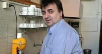 """Κορονοϊός: Ο διάλογος του Αγρινιώτη """"θρυλικού"""" καφετζή με ελεγκτές"""