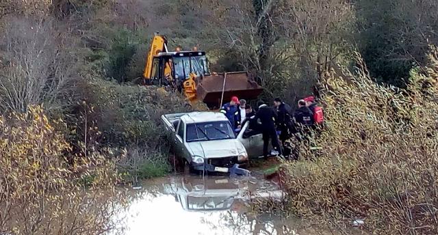 Ξηρόμερο: Αγροτικό έπεσε σε αρδευτική στέρνα στη Μπαμπίνη – Νεκρός 79χρονος οδηγός (ΔΕΙΤΕ ΦΩΤΟ)