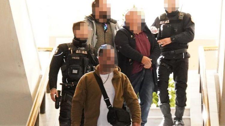 """""""Υπήρξε λόγος"""" για το έγκλημα, ισχυρίζεται ο συζυγοκτόνος (VIDEO + ΦΩΤΟ)"""