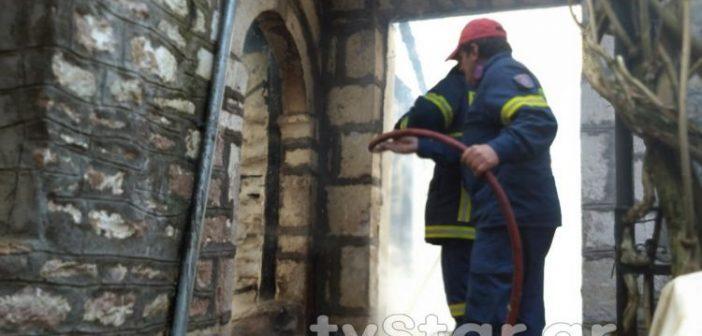 Φωτιά σε σπίτι στην Φραγκίστα, μεγάλη κινητοποίηση της ΠΥ Καρπενησίου (VIDEO + ΦΩΤΟ) )