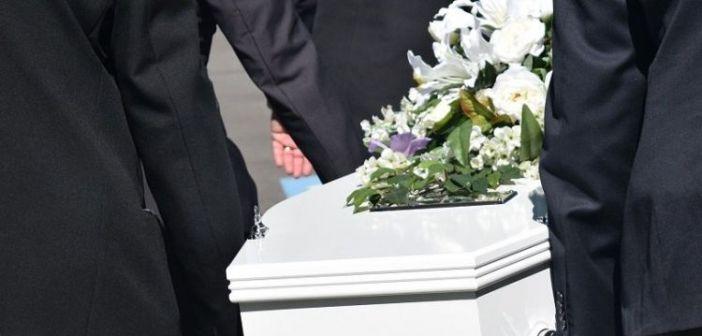 Του είπαν με μπουζούκια το τελευταίο «αντίο»