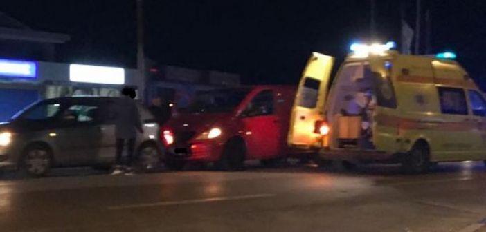 Αγρίνιο: Τρία άτομα στο νοσοκομείο μετά από σύγκρουση στην Εθνική Οδό