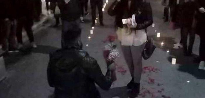 Δυτική Ελλάδα: Πρόταση γάμου με κεριά και σημειώματα στη Ρήγα Φεραίου! (ΔΕΙΤΕ ΦΩΤΟ)