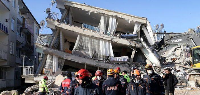 Σεισμός στην Τουρκία: Επτά οι νεκροί (video)