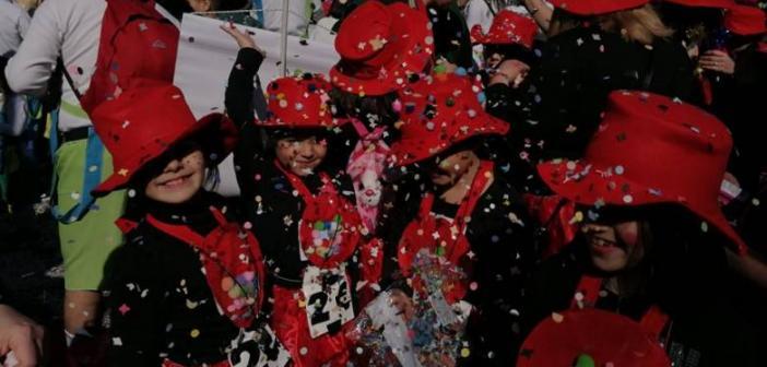 Πάτρα: Παρέλαση των μικρών – Η πόλη γέμισε από καρναβαλικό κέφι και παιδικά χαμόγελα