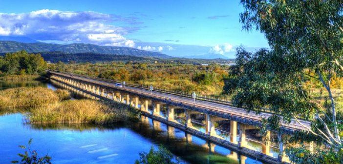 Φωτίζεται η γέφυρα του Αχελώου